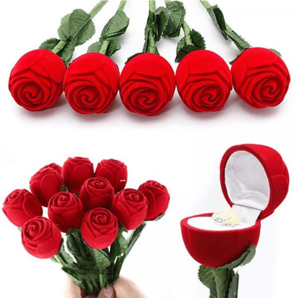 ורד רומנטי עם מקום לטבעת