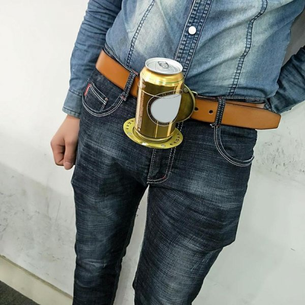 אבזם חגורה אופנתי הנפתח למחזיק בירה ומשקאות