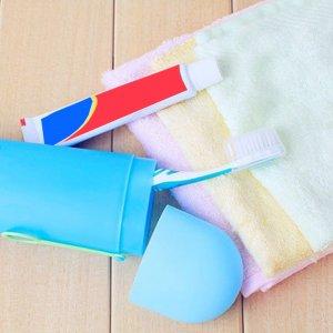 מחזיק מברשות שיניים ביתי משולב עם כיסוי לטיולים